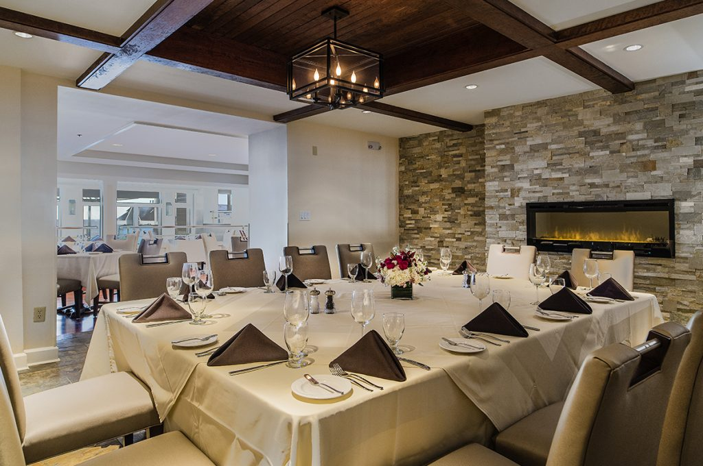 Dining - Water's Edge Resort and Spa