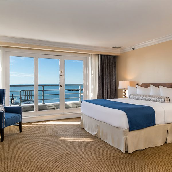 Waterfront Rooms - Water's Edge Resort and Spa