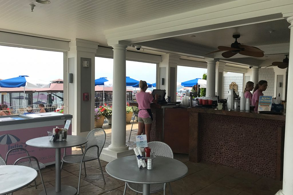 Julia's Beach Bar - Water's Edge Resort and Spa